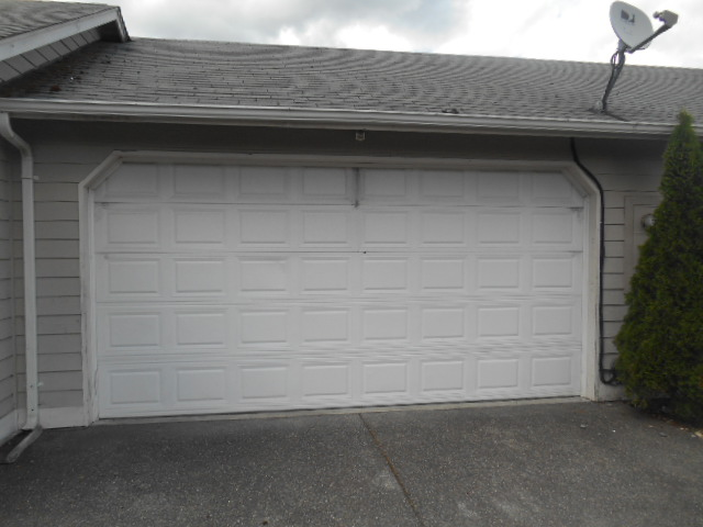 Can I Replace Just A Panel Or Section Of My Garage Door Distribudoors
